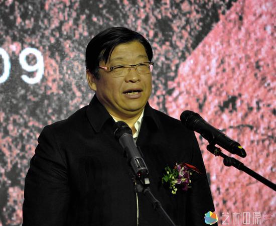 河南省人民政府副省长张广智宣布活动开幕
