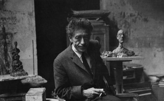 贾科梅蒂在工作室(摄于1961年)