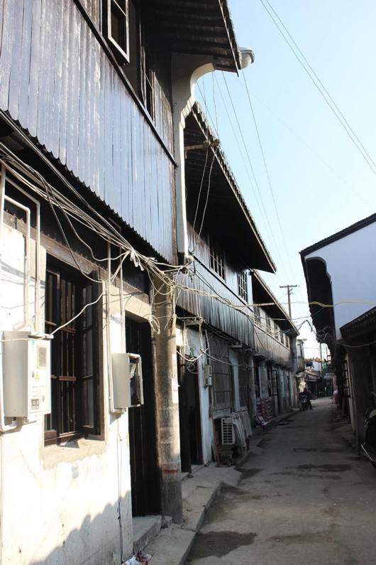 修缮前的青村中街