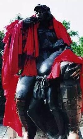 叶毓山《女红军卫生员》