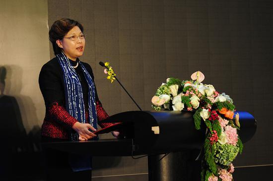 中国建设银行个人存款与投资部总经理杨绍萍