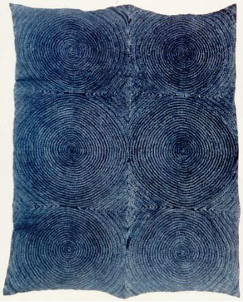 Tye-dyed cloth (adire oniko) with full moon (osu bamba) 收藏于西雅图艺术博物馆