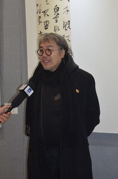 艺术总监李铁军接受采访