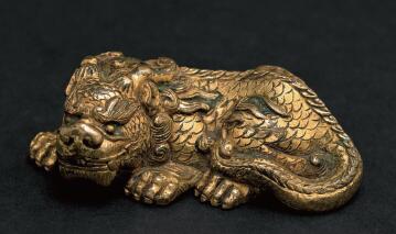 铜鎏金狻猊镇纸