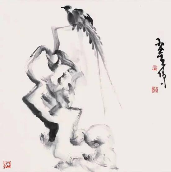 《伴石》,纸本水墨,69cm×69cm,2015年