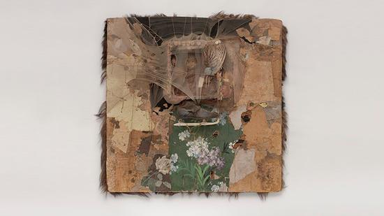 布鲁斯·康纳,《SPIDER LADY HOUSE》,(1959)。加州奥克兰博物馆馆藏,Collectors Gallery与国家艺术基金捐赠。图片:courtesy ©Bruce Conner, VEGAP, Madrid, 2016.
