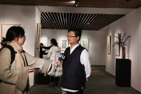 易加拍卖CEO黄平昌接受媒体采访