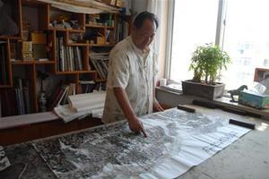 青岛艺术家用手指作画 作品被朱德纪念馆收藏