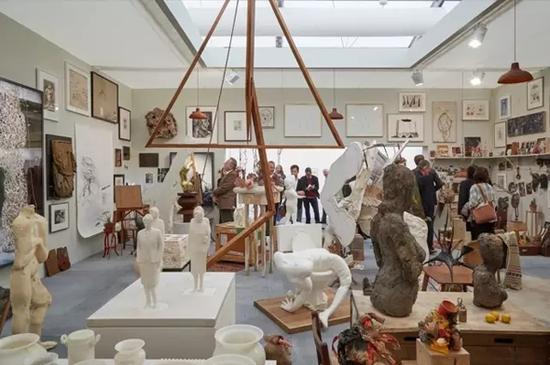 豪瑟沃斯画廊在2016伦敦弗里兹艺术博览会。图片源自网络