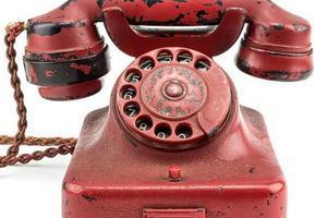 希特勒下达战令电话机拍卖出24.3万美元