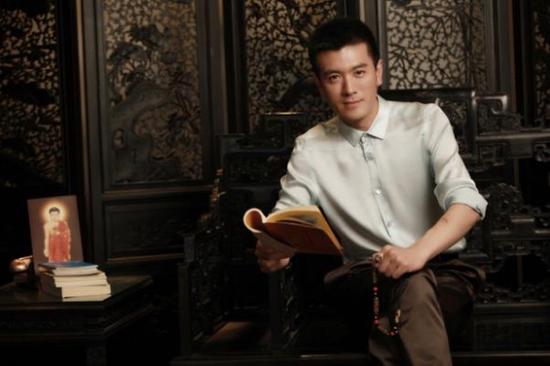 杨子20多年来潜心研究藏传佛教文化