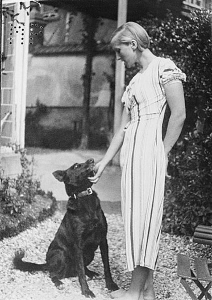 Marie-Thérèse Walter,1928年