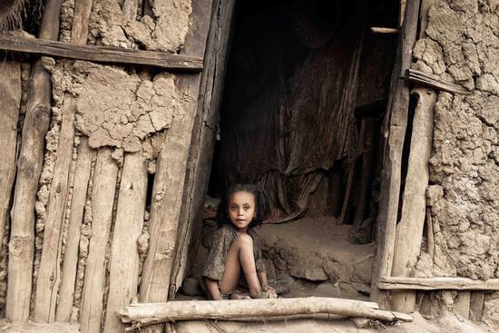 峻程,废墟女孩  影像