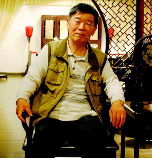 ▲山东省收藏家协会古典家具部部长 赵宝森