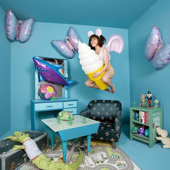 王建扬,一克拉的梦想room1,收藏级无酸艺术纸、艺术微喷,75x75cm,2011,Edition of 5