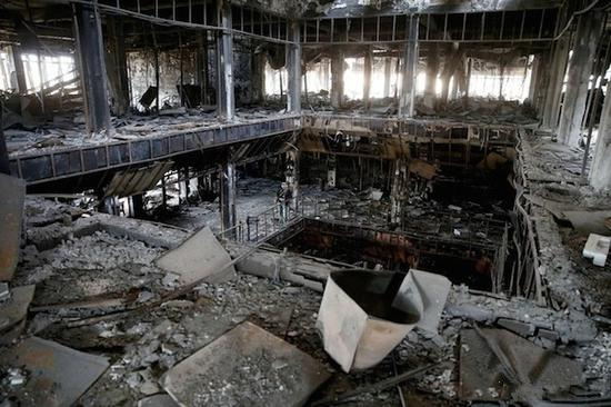 被烧毁的摩苏尔图书馆