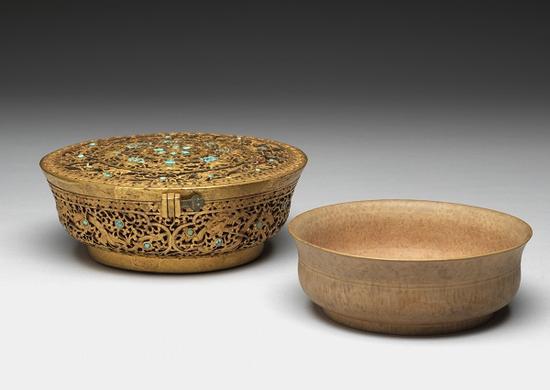 木碗附嵌绿松石铁鋄金盒