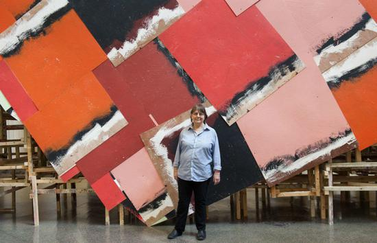 Portrait of Phyllida Barlow with dock 2014 J Fernandes。图片:Courtesy of Tate Photography