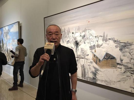 批评家刘淳接受新浪当代艺术频道采访