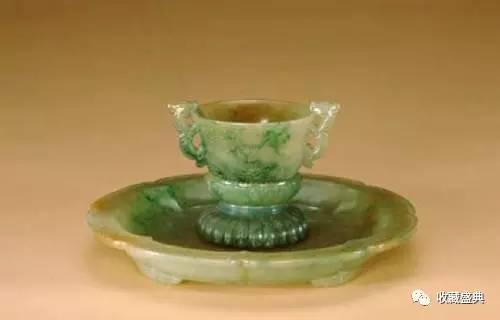 翡翠龙纹杯盘(图片来源于网络)