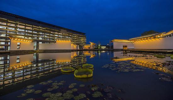 乌镇互联网国际会展中心夜景