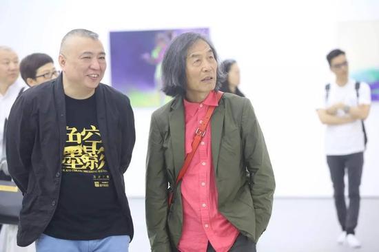 艺术家冯斌与著名艺术家王冬龄