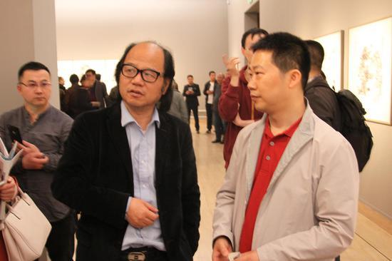 中国国家画院副院长张晓凌参观陈海良书法展