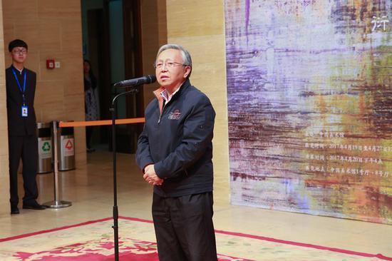 开幕式上前中国美术学院副院长白仁海先生发表致辞