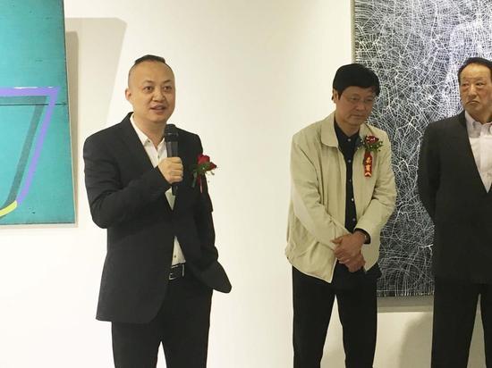 艺术厦门博览会组委会主任罗文轩先生