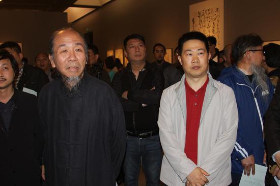 著名书法家石开先生参观陈海良书法展