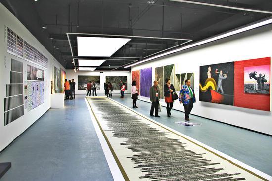 百家湖美术馆开馆展——南京国际美术展现场