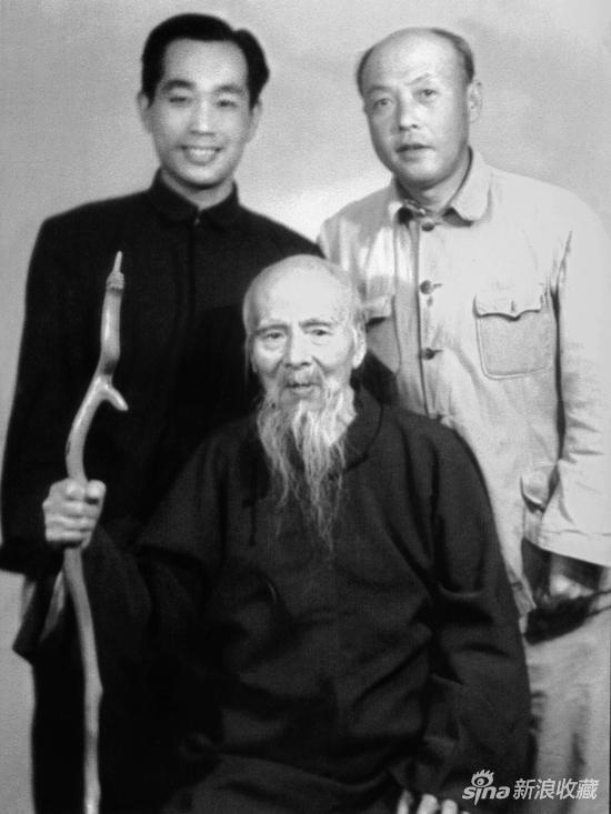 前:恩师齐白石 后左起:许麟庐,李苦禅