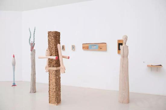 """陈文 《看不见的城市》 木 造型学院雕塑系,指导教师:隋建国  """"我所看见的,是我能看见的。"""""""