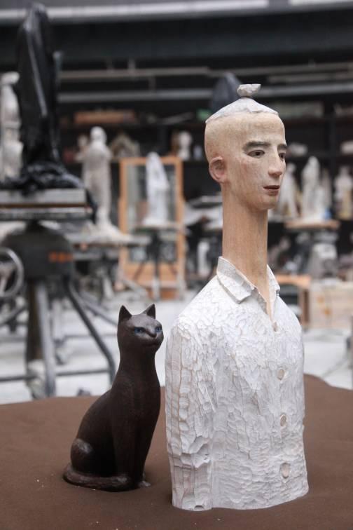 杨洋   《白衣少年与黑猫》   指导教师: 魏小明  雕塑