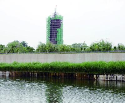 2017年,如今的通州燃灯塔正在进行大规模修缮   摄/记者 崔毅飞
