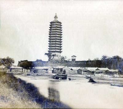 北京最早照片燃灯塔将拍卖