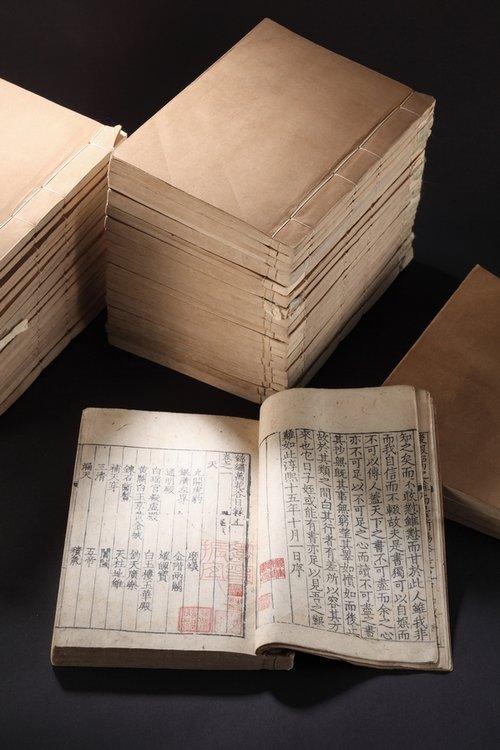 """■2012年匡时秋拍,""""过云楼""""藏书以2.16亿元成交。"""