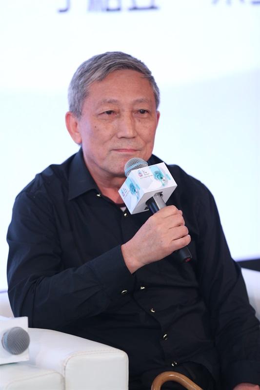 上海视觉艺术学院文化艺术研究院院长刘传铭