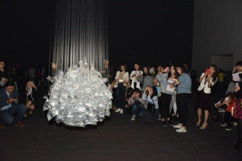 Michel Fran?ois,《水的悬滞》。图片:致谢上海民生现代美术馆