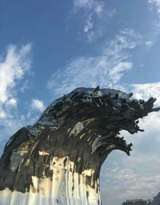 吴达新《巨浪》