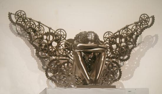 蔡丽贤——绮梦;铸铜;95×75×70cm(可变)/8版 ;2014