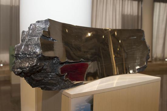 景育民《无形之境》不锈钢,宽90cm、高35cm、厚25cm