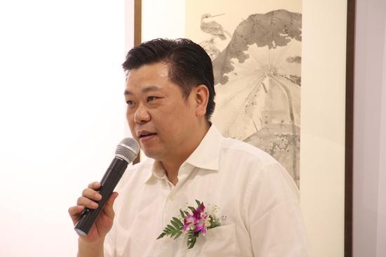 宁波市委宣传部副部长张文杰宣布展览开幕