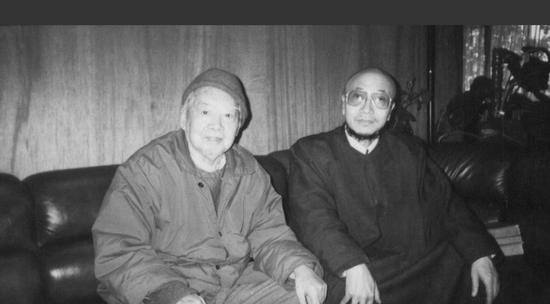 李正天与王肇民合影