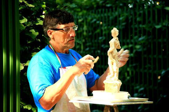 雕塑创作:用复制解放创造