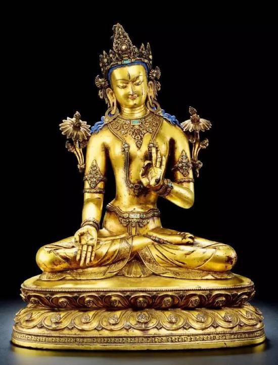 十四世纪 铜鎏金白度母像H 56 cm红铜鎏金,镶宝石,嵌银,阳刻梵文铭文。RMB 15,000,000-20,000,000