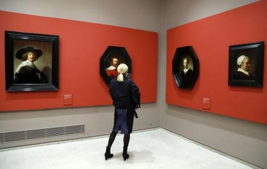 法国卢浮宫展览现场