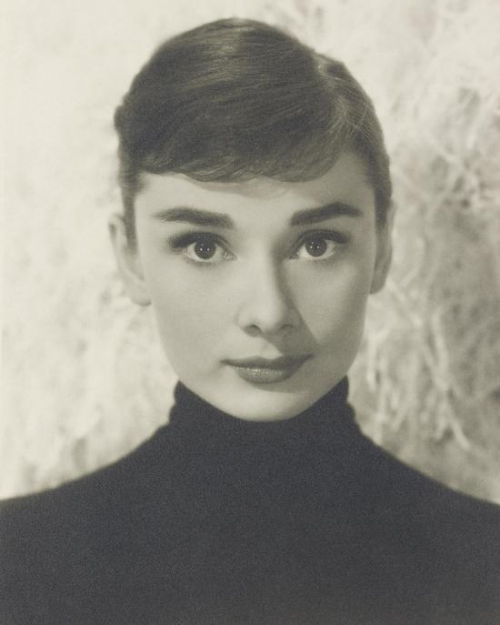 毕特?佛雷克(Bud Fraker,1916-2002),《奥黛丽?赫本》,约 1957 年摄 图片来源 佳士得