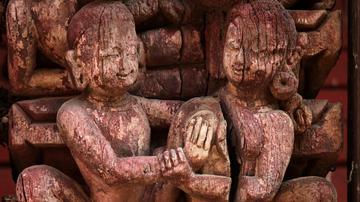 尼泊尔的启蒙木雕让游人脸红心跳