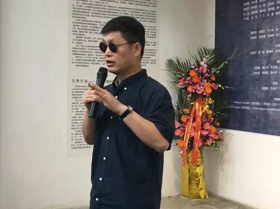 参展艺术家 、上海大学美术学院油画系硕士生导师姜建忠教授致辞